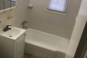 Bathroom, Deerfield Windsor Apartments, 1