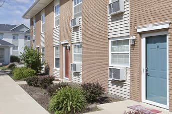 Building, The Pointe at Cedar Rapids, 1