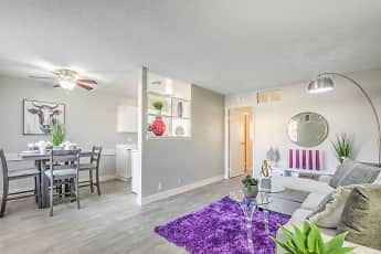 Wyandotte Apartments, 1