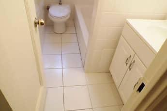 Bathroom, 95 Washington Street, 2