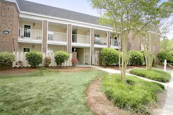 Landscaping, Glenmeade Village Apartments, 0