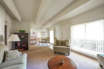 Living Room, Sunset Pointe, 0