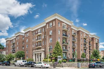 Building, Highview & Castle Manor Apartments, 0