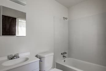 Bathroom, Belmont Manor Apartments, 2
