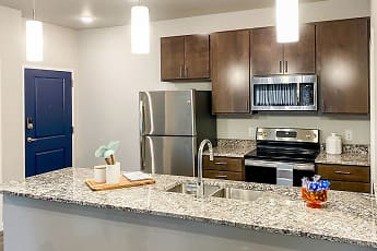 Kitchen, Latitude 41, 0