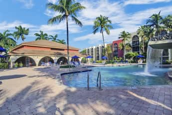 Pool, Aventura Harbor, 2