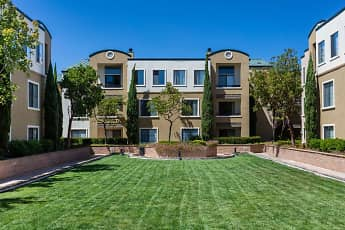 Bridgepointe Apartments, 1