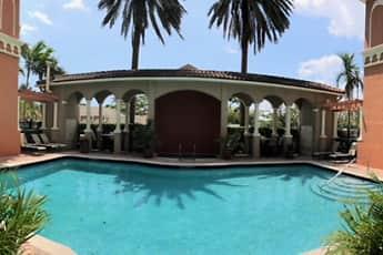 Pool, Camino Real, 0