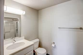 Bathroom, The Lyon, 2