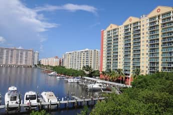 Intracoastal Yacht Club, 2