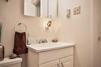 Bathroom, High Ridge Apartments, 2
