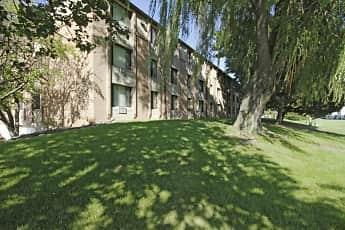 Building, Riverwood Court Apartments, 0