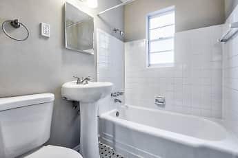 Bathroom, Georgian Woods, 2