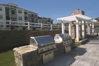 Spruce Ridge Apartments, 0