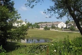 Lake, Wildwood Apartments, 0