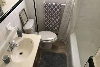 Bathroom, Wyomissing Gardens, 2