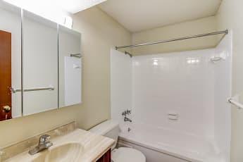 Bathroom, El Chaparral, 2
