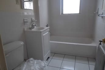 Bathroom, 831 Chancellor Ave, 2