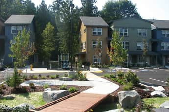 Courtyard, Sequoia Landing, 0