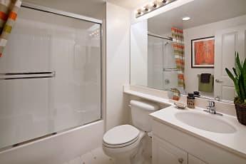 Bathroom, Serrano, 2