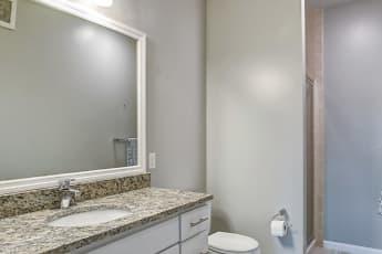 Bathroom, Harbor Pointe in Bayonne, 2