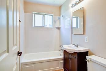 Bathroom, Lakeview Garden, 2