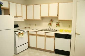 Kitchen, Parks at Wynnewood Apartments, 1