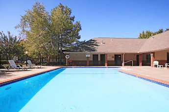 Pool, ChapelRidge of Norman, 2