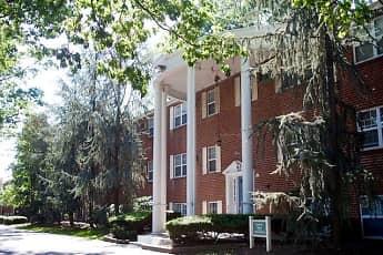 Parkside Manor, 0