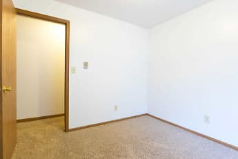 Bedroom, Sunburst Apartments, 2