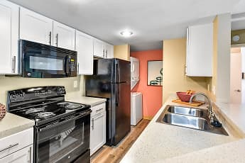 Kitchen, Brantley Pines, 0