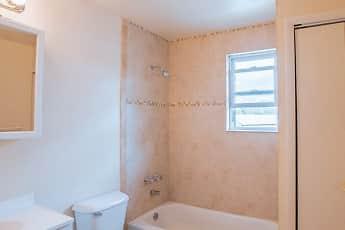Bathroom, New Windsor Gardens, 0