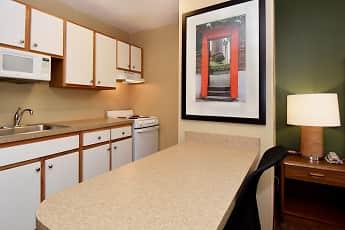 Kitchen, Furnished Studio - Indianapolis - Northwest - College Park, 1