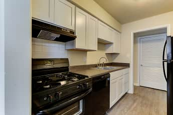Kitchen, Bent Creek Apartments and Townhomes, 1