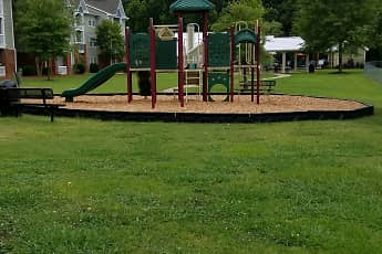 Playground, Signature Pointe, 2