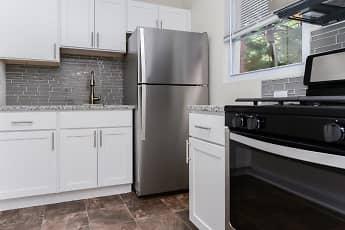 Kitchen, Elmwood Village Apartments & Townhomes, 0