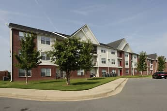 Building, River Pointe Apartments, 0