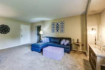 Living Room, Peaks at Waters Edge, 0