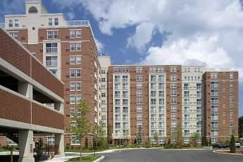 Building, Cloverleaf Apartments, 2