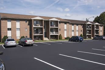 Building, Orchard Hills Apartments, 0
