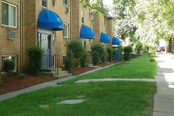 Renshaw Apartments, 1