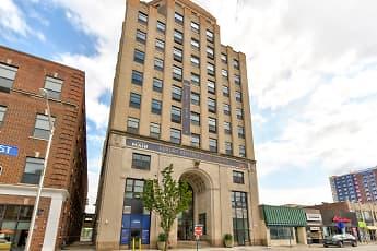 Building, 210 Main Street, 0