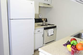 Kitchen, Commons at Cowan Boulevard, 1