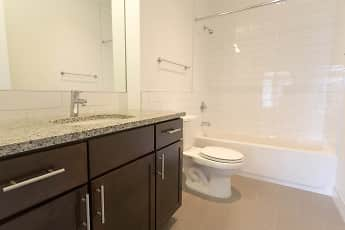 Bathroom, The Shoreland, 2