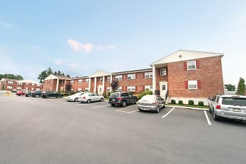 Building, River Run Apartments, 0