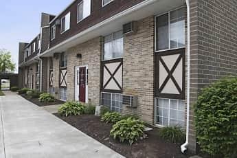 Building, Oak Glen Apartments, 0
