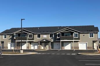Building, Crown Pointe Apartments, 1