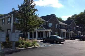Building, Fairfield Courtyard East At Farmingdale Village, 1