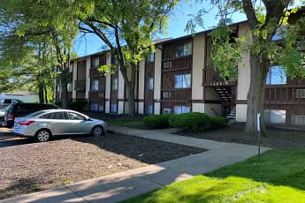 Building, Eagle Crest Apartments, 2