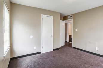 Bedroom, Longview Heights Apartments, 2